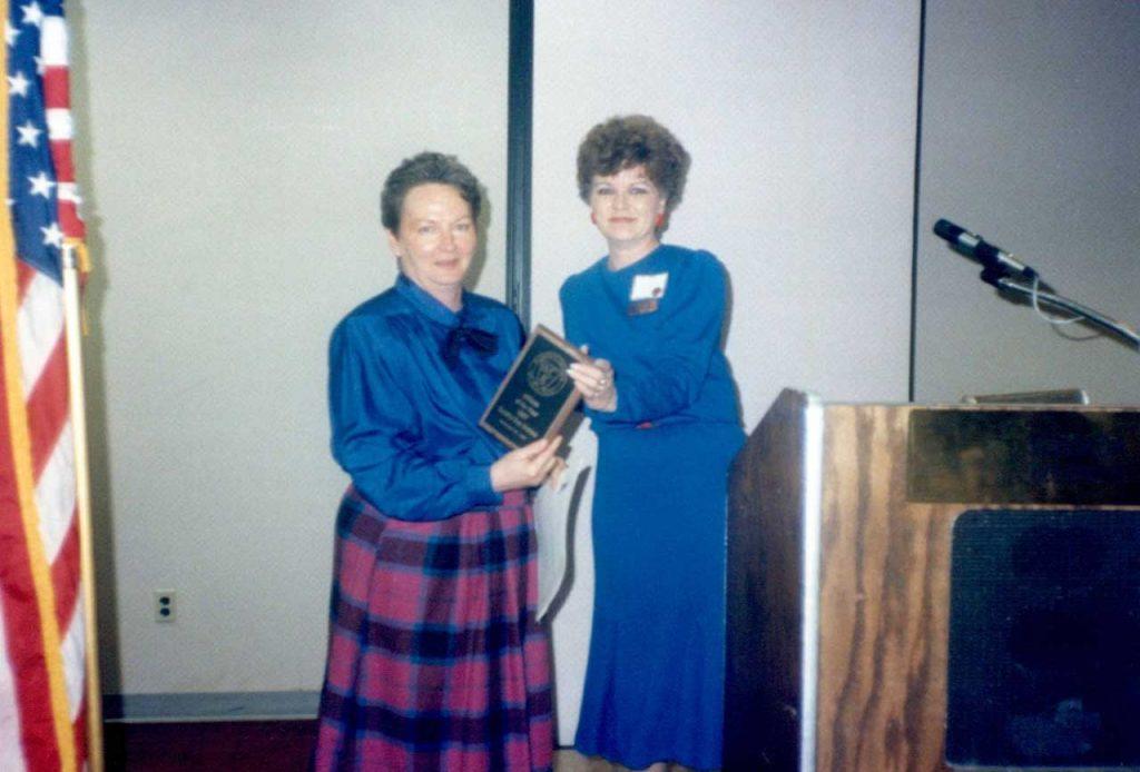 Sandra Sue Holden winning Affiliate of the Year, 1988